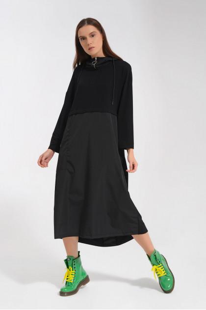 Šaty dlouhé s kapucí